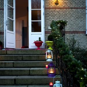 Kolorowe lampiony, jak wszystkie dekoracje są pomysłu właścicieli i  pochodzą z oferty marki Rice.  Fot. Polly Eltes/Narratives.