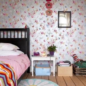 Pokój dziecięcy jest równie kolorowy jak cały dom. Fot. Polly Eltes/Narratives.