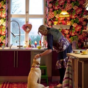 W kuchni, poza licznymi dekoracjami, każdy znajdzie coś samcznego dla siebie. Fot. Polly Eltes/Narratives.