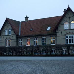 Niezwykłego XVIII-wiecznego domu projektantki Charlotte Hednam -Gueniau w Danii. Fot. Polly Eltes/Narratives.