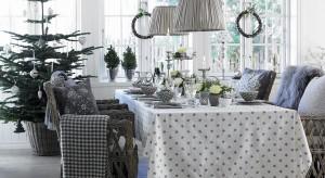 Odświętna zastawa, eleganckieświeczniki i urocze bibeloty nadadzą naszym stołom niepowtarzalnego, świątecznego uroku. Zobaczcie 15 pomysłów na pięknie przystrojony stół.