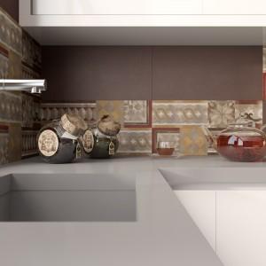 Płytki ceramiczne z kolekcji Italian Fresco nawiązują do najlepszej tradycji włoskich mistrzów ceramiki. Piękne, przytulne kolory i antyczne motywy budują w kuchni domowy, ciepły klimat. Fot. Opoczno.