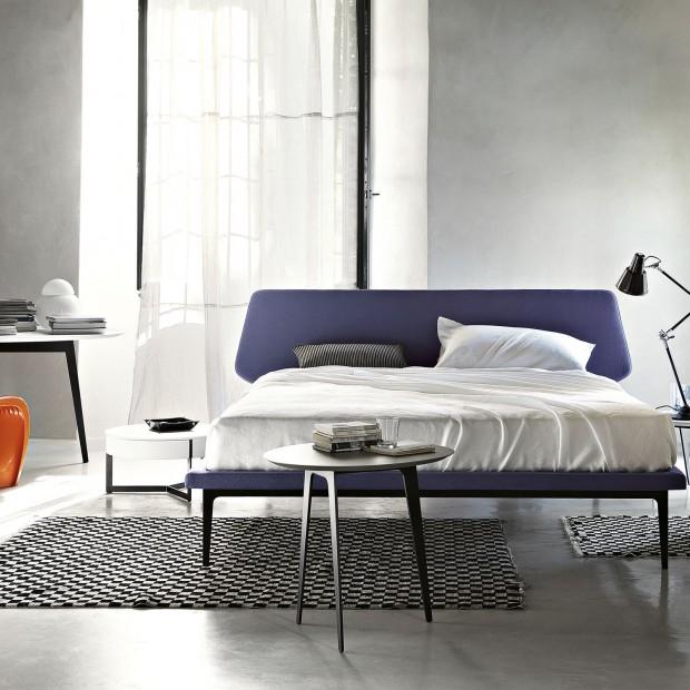 Meble do sypialni: kolorowe łóżka