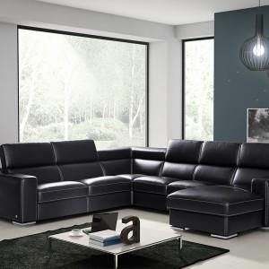 Genesis marki TC Meble to nowoczesny wypoczynek dostępny w formie narożnika, sofy, fotela, pufy. System modułowy umożliwia dobór wielości narożnika i zwężenia lub poszerzenia poszczególnych elementów. Fot. TC Meble.