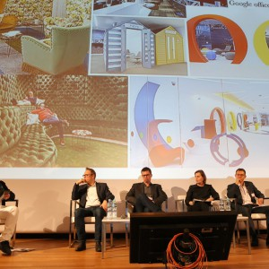 """Panel dyskusyjny """"Innowacyjne biuro. Nowoczesne rozwiązania i trendy w kreowaniu przestrzeni pracy"""" cieszył się ogromnym zainteresowaniem."""