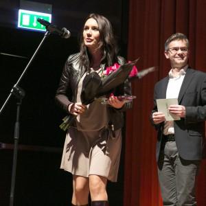 Nagrodę z rąk Wiceprezesa Zarządu Publikatora Grzegorza Kuczyńskiego odebrała Dorota Warych - projektant marki PIU Design, właściciel firmy.