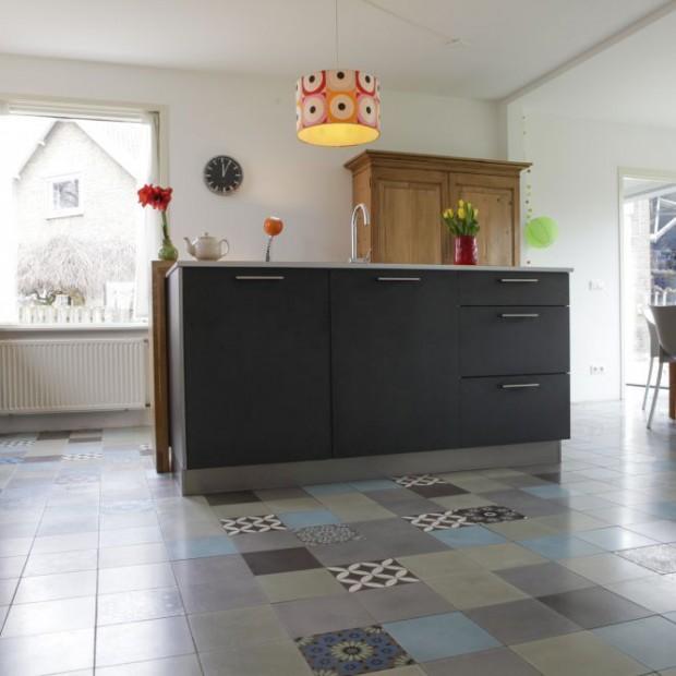 Podłoga w kuchni i jadalni. Wybierz modne płytki