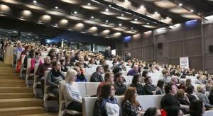 Druga edycja Forum Dobrego Designu zgromadziła kilkuset gości. Dyskusje na scenie, rozmowy w kuluarach oraz galę wręczenia nagród uczestnicy relacjonowali też w internecie.