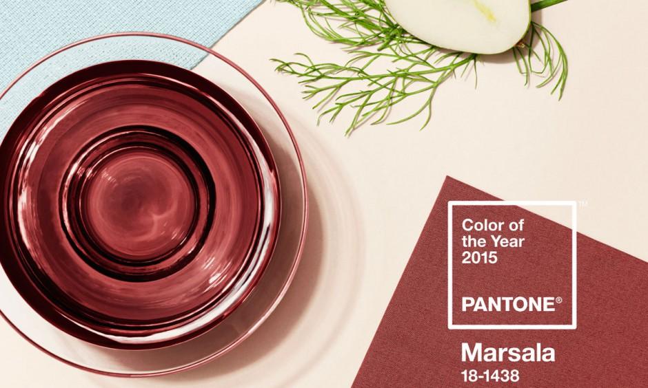 Kolorem roku 2015 wybrano ocień Marsala 18-438, który doskonale prezentuje się w towarzystwie delikatnych, jasnych odcieni. Fot. Instytut Pantone.