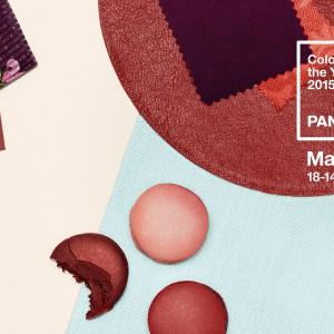 Ceglany, bordowy kolor Marsala doskonale prezentuje się na tkaninach. Fot. Instytut Pantone.
