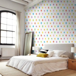 Świąteczne motywy na samoprzylepnej fototapecie marki Picassi. Dekoracja nie niszczy powierzchni ściany i można ją przyklejać i odklejać nawet 100 razy, bez utraty kleju. Fot. Picassi.