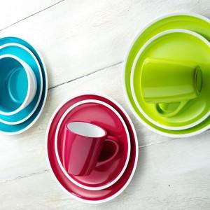 Soczyście kolorowe kubki rozgrzeją nie tylko napojem, ale swoim energetycznym kolorem. Fot.  Zak! Designs.