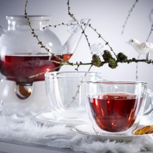 Filiżanki i czajniczek z kolekcji Villeroy&Boch to klasyczna szklana elegancja. Czajniczek można umieścić na praktycznym podgrzewaczu, żeby napój nie wystygł. Fot. Villeroy&Boch.