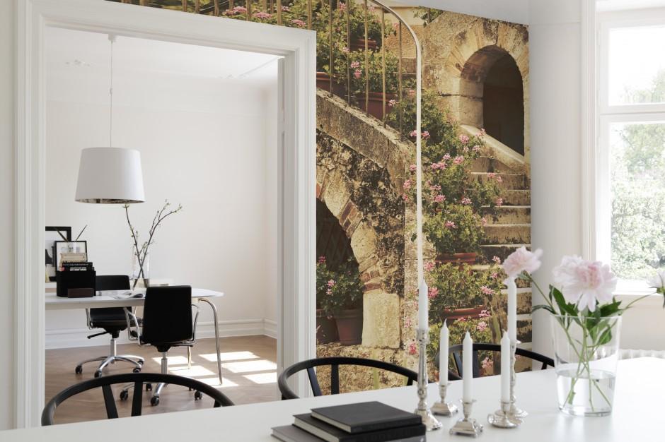 Piękna tapeta z motywem Ściana w jadalni Tak wykończysz ją tapetą lub f