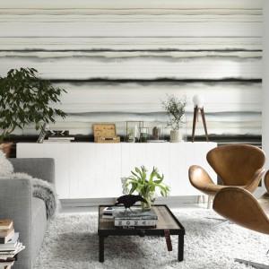 Tapeta Earth marki JVD, przypominająca wykonany akwarelami pejzaż, podkreśli minimalistyczny charakter aranżacji oraz wprowadzi do wnętrza nieco nostalgiczny klimat. Fot. JVD.