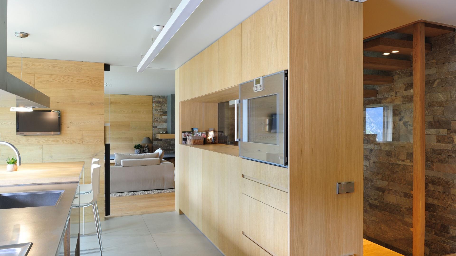 Przestrze kuchni zamyka przytulne wn trze jasne i - Coblonal arquitectura ...