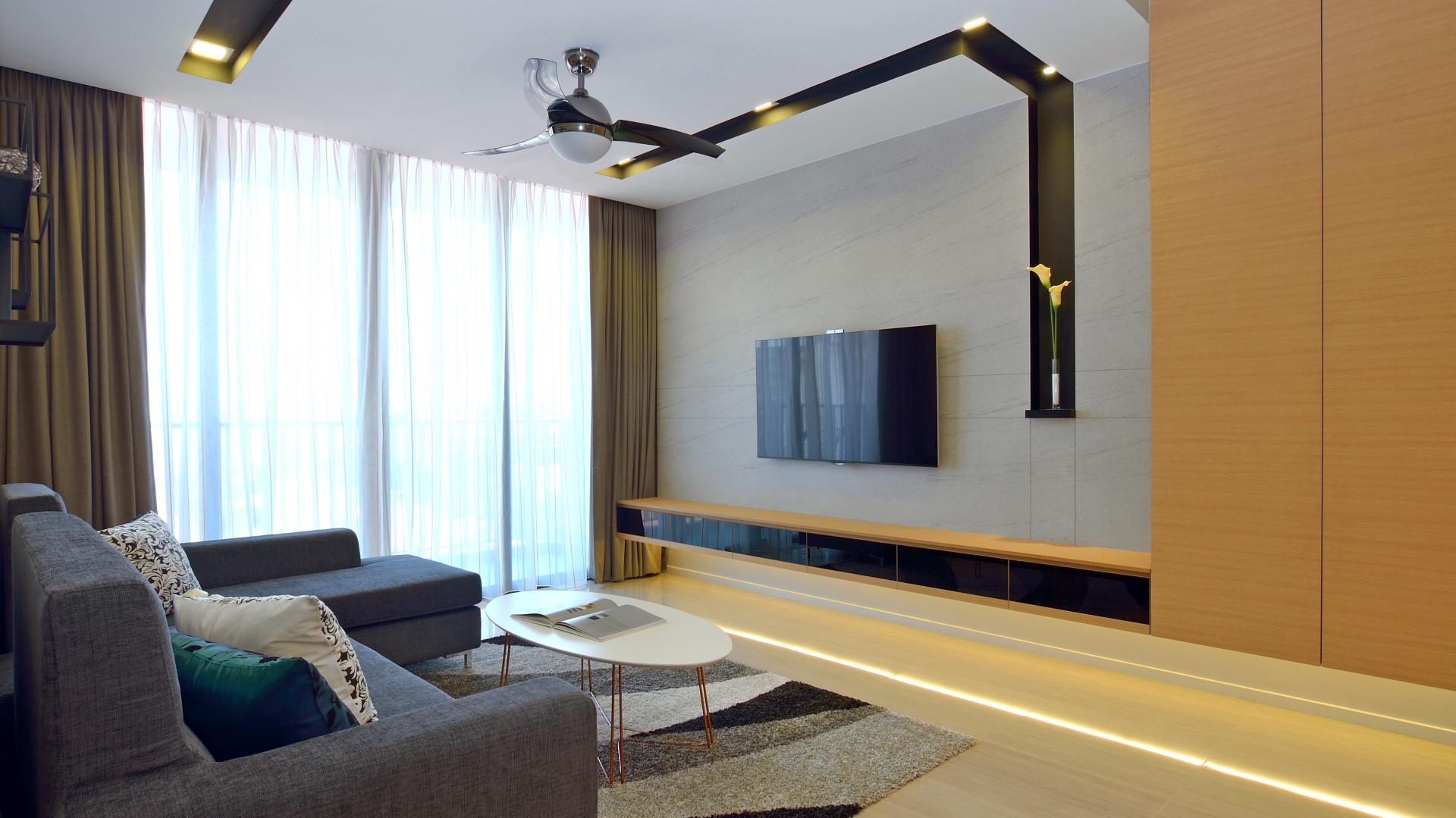 Podwieszany sufit w salonie mieszkanie ma ej rodziny for Sufit podwieszany w salonie