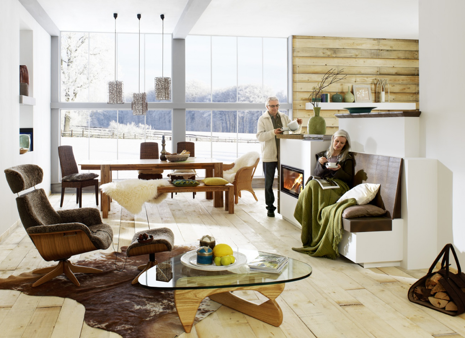 Zestawienie prostych, przemyślanych linii i kształtów oraz naturalnych kolorów, tworzy przytulne i ciepłe wnętrza. Tym, co jednak przede wszystkim odróżnia country house od swojego pierwowzoru, jest jego przejrzystość i praktyczność. Fot. Brunner.