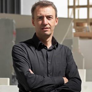Raffaello Galiotto projektant kolekcji Opus dla marki Lithos Design. Fot. Lithos Design.