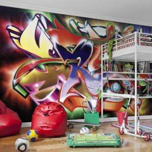 Tapeta z kolekcji Adventure firmy Mr Perswall jest znakomitą imitacją barwnego graffiti. Mr Perswall.