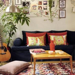 Dzięki materiałom dostępnym na rynku poszewki na poduszki możemy mieć taki, jakie tylko sobie wymarzymy. Wystarczy je uszyć! Fot. Elitis.
