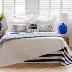 Sypialnia w stylu marynistycznym. Jak ją urządzić?