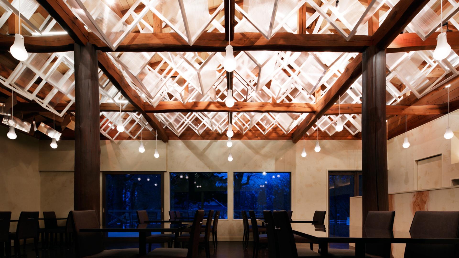Restauracja Dream Dairy Farm została zaprojektowana przez japońskiego architekta, Moriyuki Ochiai. Fot.  Atsushi Ishida