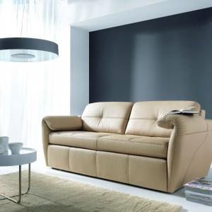 Nowoczesne i elegancka sofa skórzana Frizzante z oferty marki Etap Sofa. Fot. Etap Sofa.