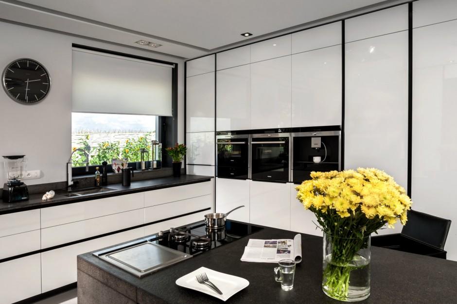 Gra kontrastów, nadająca Elegancka, biała kuchnia   -> Biala Kuchnia Elegancka