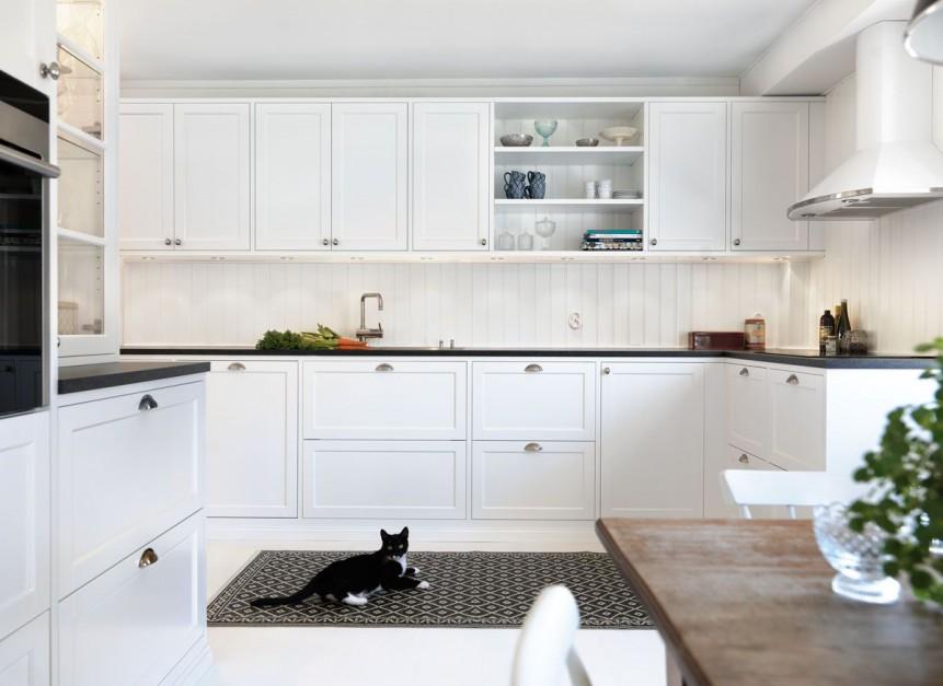 Białe fronty z delikatnym Elegancka, biała kuchnia Postaw na ciemny blat -> Biala Kuchnia Drewniany Blat Jakie Plytki