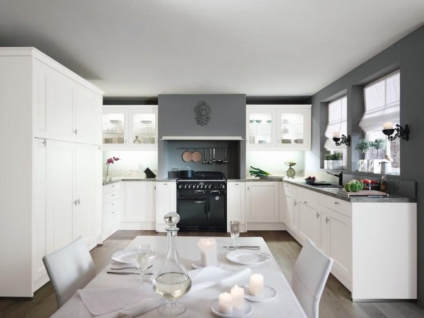 Stylowa, klasyczna kuchnia ze zdobionymi frontami i   -> Kuchnia Biala Stylowa
