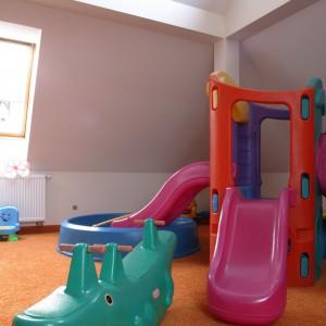 Do urządzania placu zabaw zaprośmy dziecko. Dzięki takiemu zaangażowaniu miejsce będzie odpowiadało oczekiwaniom pociechy, jak również będzie ono czuło większe przywiązanie do swojego prywatnego placu zabaw. Fot. Bartosz Jarosz.