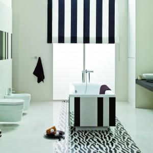 Ozdobami kolekcji Pop Art Ceramstic są czarno-białe listwy oraz dekory Zebra (negatywy oraz pozytywy). Fot. Ceramstic.