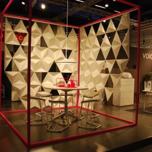 Makra Abstracta pośród wielu nowości mebli, zaprezentowała także system paneli powietrznych o heksagonalnych kształtach - Airflakes. Fot. Marta Ustymowicz
