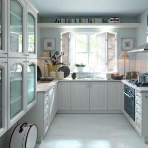 Meble z dekorem bielonego drewna zyskały piękne zdobienie, nadające im domowego, przytulnego wyrazu. Fot. Black Red White, kuchnia Sentima.
