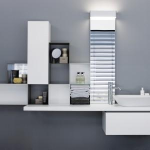 Propozycja marki Laufen z serii Palomba Collection to oryginalny zestaw szafek i otwartych półek połączonych z podumywalkowym blatem. Fot. Laufen.