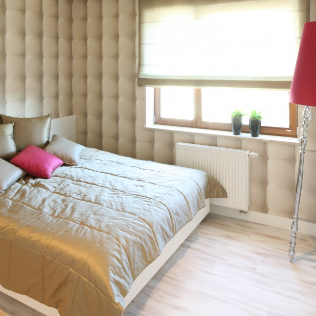 Jasna sypialnia - najciekawsze pomysły na oświetlenie