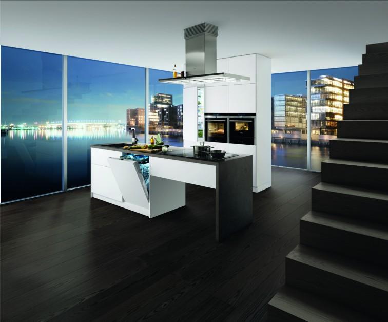 Piekarnik HB 78BD571 to 13 Nowoczesna kuchnia   -> Kuchnia Wolnostojąca Siemens