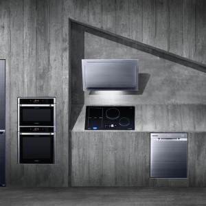 Kolekcja sprzętów AGD Chef Collection do zabudowy. Piękne, nowoczesne wzornictwo pozwala dopasować urządzania idealnie do zabudowy kuchennej, zachowując futurystyczny, minimalistyczny kształt. Fot. Samsung.