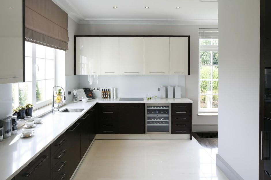 Przestronna kuchnia z Piękne wnętrze w klasycznym stylu Zobacz eleganck   -> Funkcjonalna Kuchnia Nowoczesna