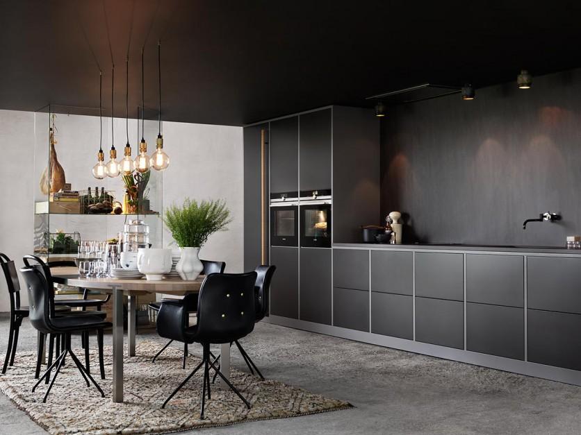 Prosty kształt i ciemna, Kuchnia w stylu loft Tak   -> Mala Kuchnia Loft