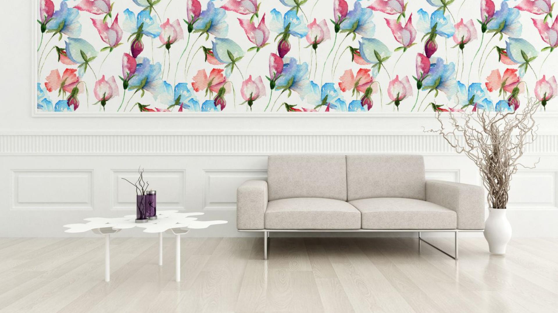 Kwiatowe nowości od Dekornika pozwolą odmienić dom przy okazji wiosennych porządków i stworzą we wnętrzu romantyczną aurę – wiecznej wiosny. Fot. Dekornik.