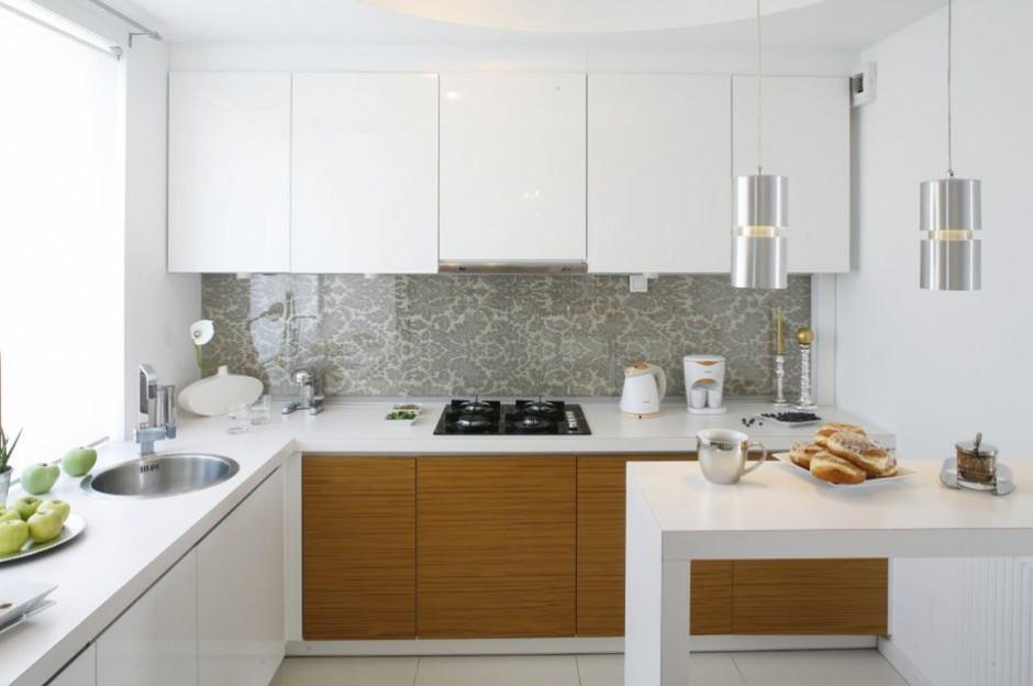 Piękna wzorzysta tapeta w Ściana w kuchni wybierz