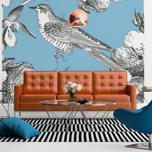 Efektowna dekoracja o wzniosłym charakterze - niebieska tapeta z ptakiem, uznawanym za symbol pokoju i świętości. Fot. Dekornik.