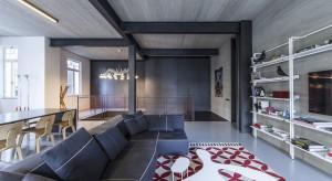 Architekci stanęli przed wyzwaniem wykreowania współczesnego wnętrza, które korespondowałoby ze stylem budynku i jego historią. W zabytkowej dzielnicy Tel Awiwu powstało to zachwycające wnętrze.