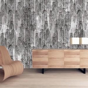 Dekoracyjna tapeta marki House Frame z motywem piór, które wyglądają, jak gdyby wyszły spod utalentowanego pióra. Dekoracja dostępna w sklepie wzorywidze.pl. Fot. wzorywidze.pl.