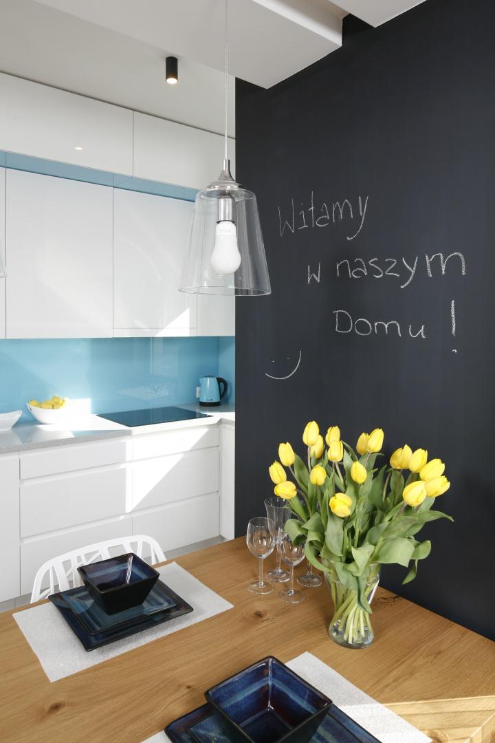 Na tablicy w jadalni Mała kuchnia w bloku tak ją   -> Kuchnia W Bloku Mala