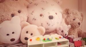 Ściany w pokoju dziecka powinny być oryginalne i kolorowe. W naszej galerii znajdziecie właśnie takie pomysły.<br /><br />