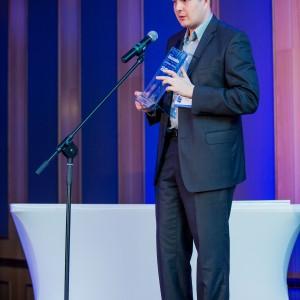 Nagrodę główną w kategorii Instalacje Łazienkowe odebrał Michał Pachecka, Specjalista ds. marketingu Geberit Polska.  Fot. Paweł Ławreszuk.