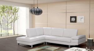 Chcesz kupić modną, białą sofę? Zobacz najciekawsze propozycje producentów mebli.